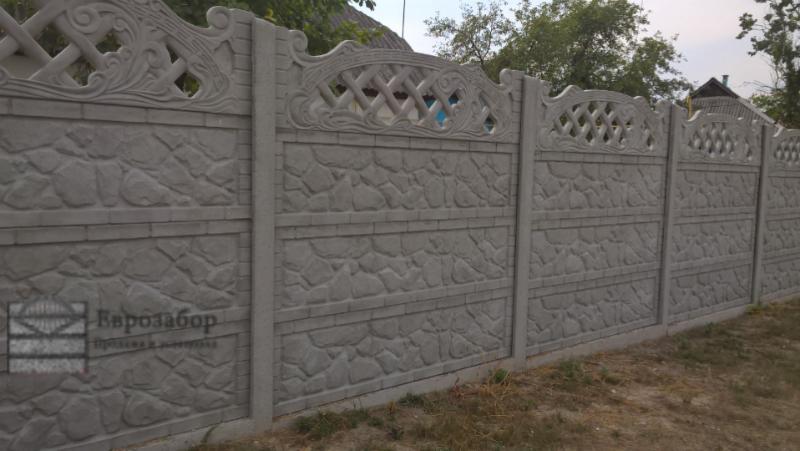 betonnuy zabor-but v ramka